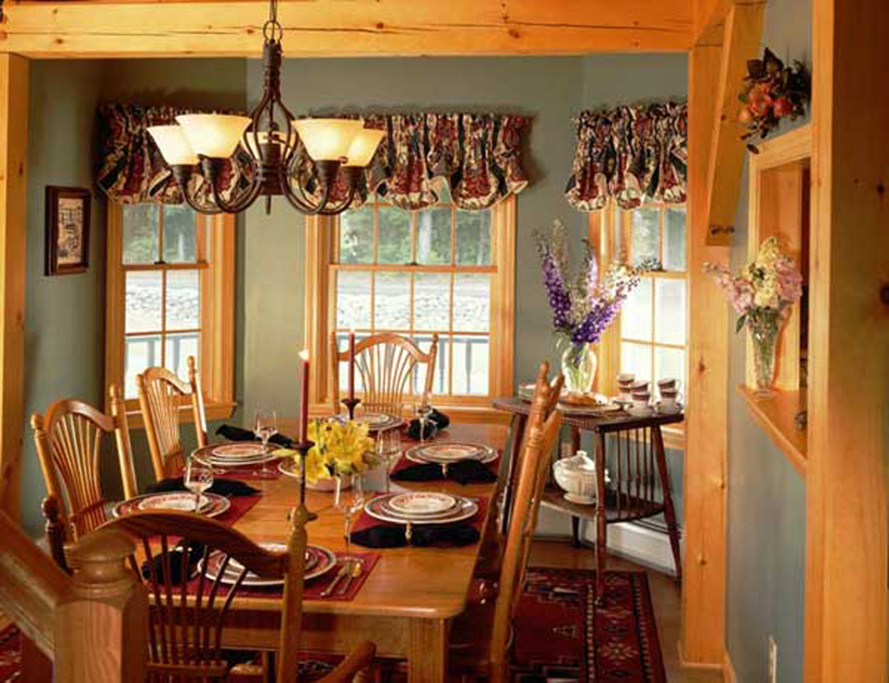 Koeppel_Classic_Country_Charm - dining_room-enlarged.jpg